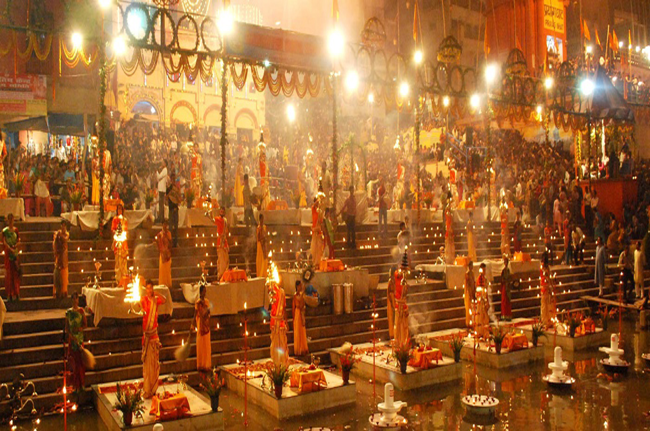 Varanasi_Evening_Prayers_Ganges